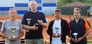 Víťazi turnaja jednotlivcov nad 40 rokov (1. Balciar, 2. Cerovský J, 3. Čermák / Majer)
